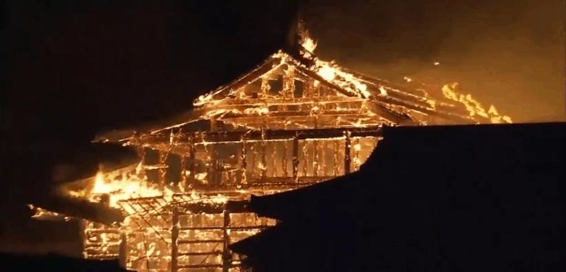 Patrimônio da Humanidade, castelo de Shuri é destruído por incêndio